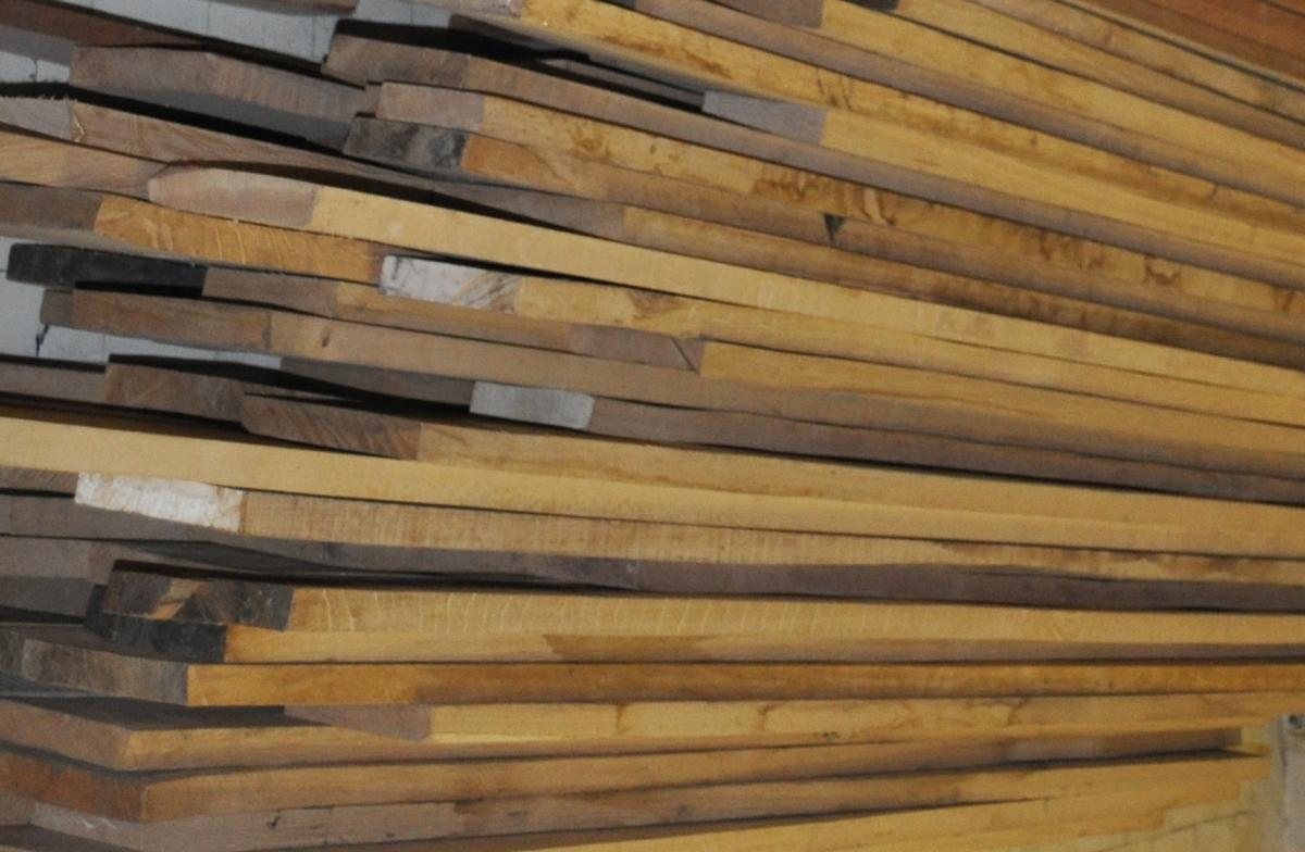 Использованием материалов из натуральной древесины становится все более популярной